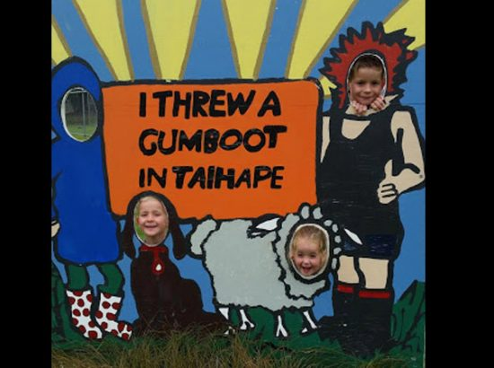 Outback Gumboot Throwing